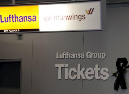 Lufthansa es la aerolínea matriz de Germanwings, compañía de avión siniestrado en los Alpes. Foto: REUTERS