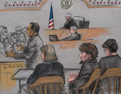 La parte acusadora pide la pena capital e intenta convencer a los 12 miembros del jurado. Foto: REUTERS
