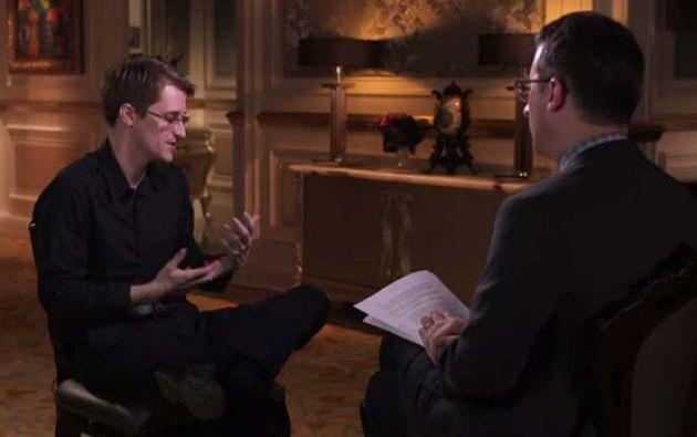 Oliver viajó la semana pasada a Moscú para realizar la entrevista con Snowden.