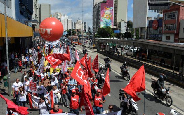 Según la Policía, la marcha en Brasilia agrupó a unas 2.000 personas. Los organizadores estimaron que había unas 6.000 personas. Foto: AFP