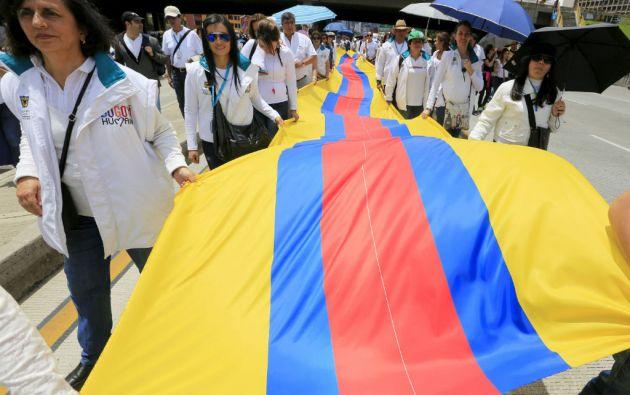 """En Bogotá, la llamada """"Marcha por la paz"""" partió del Centro Memoria, Paz y Reconciliación. Foto: REUTERS"""
