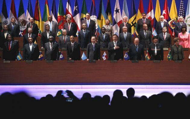 La apertura de la VII Cumbre de las Américas contó con la presencia de los presidentes de EE.UU. y Cuba. Foto: REUTERS