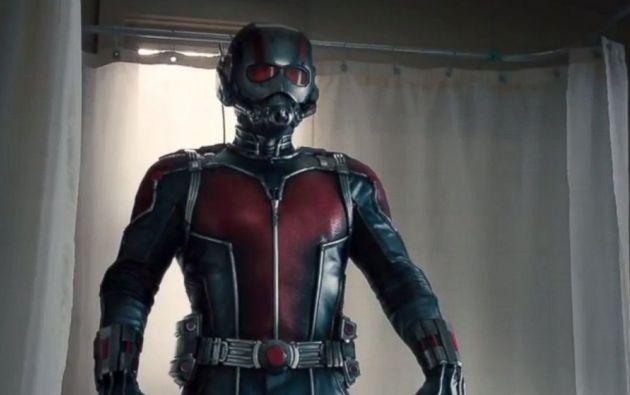 Paul Rudd interpreta a Scott Lang, quien se convierte en Ant-Man.