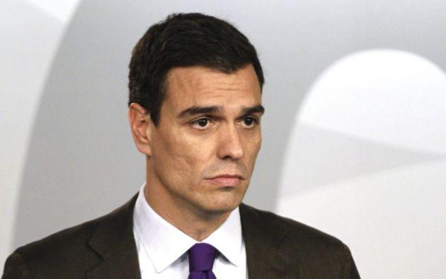 """""""Fue un error que lamento muchísimo"""", declaró el dirigente socialista a los periodistas en los pasillos del Congreso de los diputados en Madrid."""