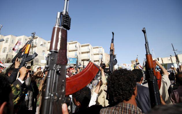 Desde el pasado 26 de marzo, una coalición árabe liderada por Arabia Saudí perpetra bombardeos diarios contra las posiciones de los rebeldes en Yemen. Foto: REUTERS.