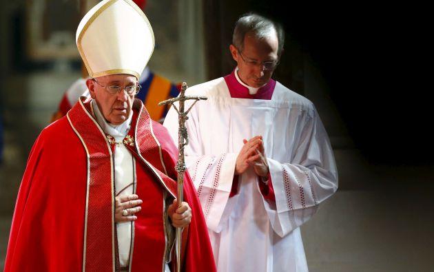 El papa rindió un sentido homenaje al rabino de Roma Elio Toaff, fallecido el domingo en la capital italiana. Foto: REUTERS.