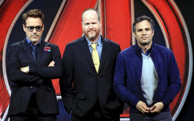 Joss Whedon con Robert Downey Jr. y Mark Ruffalo. Foto: REUTERS
