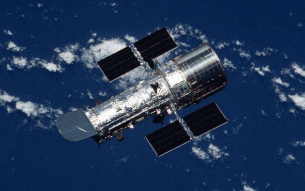 Desde que fue lanzado el 24 de abril de 1990 por el transbordador Discovery, el Hubble orbita la Tierra a 570 km. de altitud. Foto: NASA