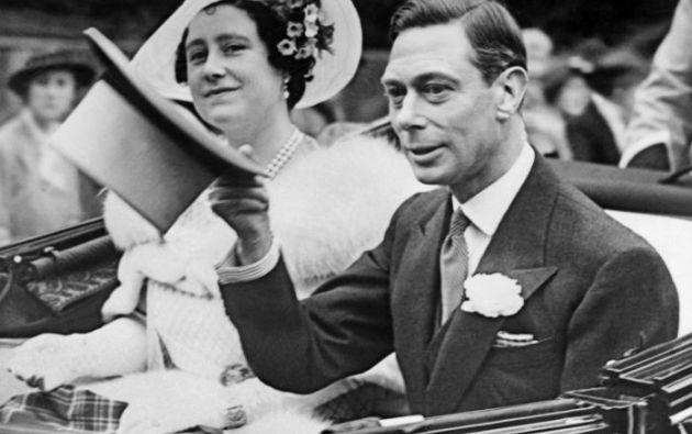 Isabel II junto al su padre, el rey Jorge VI en una foto de archivo de 1936. Foto: AFP