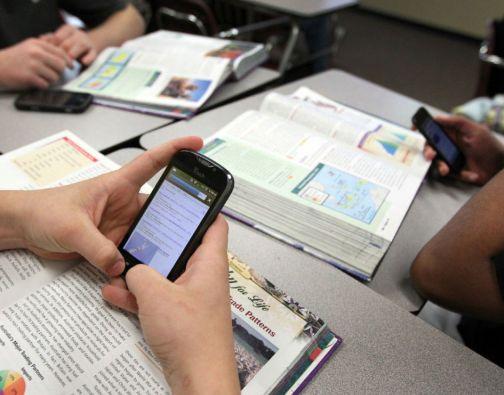 Según el sondeo, realizado en las distintas regiones administrativas de China, un 58,1% de los chinos leyeron libros o diarios digitales en 2014.