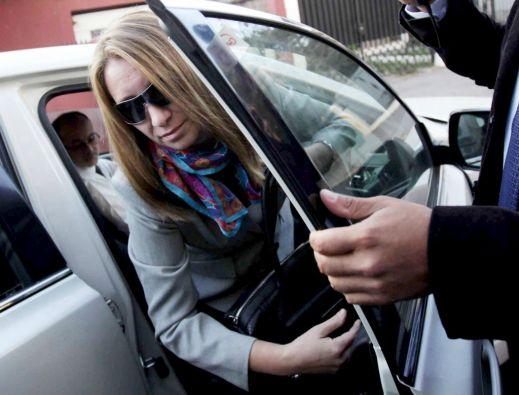Dávalos y su esposa, Natalia Compagnon, son investigados por posible tráfico de influencia y negociación incompatible. Foto: REUTERS