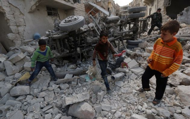 De las víctimas mortales, al menos 66 fueron civiles, entre ellos diez menores y seis mujeres. Foto: AFP.