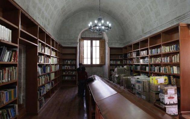 La biblioteca Mario Vargas Llosa de Arequipa acoge ya más de 4.700 libros de la colección personal del Nobel de Literatura peruano.