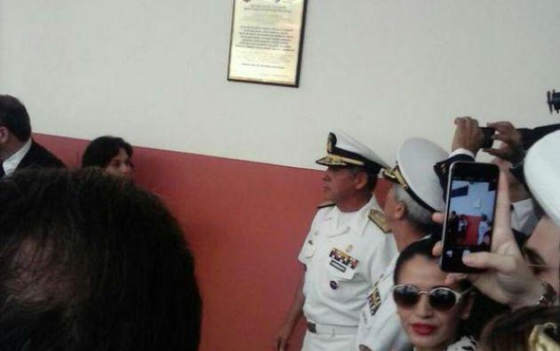 La Armada desveló una placa conmemorativa en la Sala de Guerra del Comando de Operaciones Navales de Guayaquil. Foto: Fiscalía General de Ecuador.