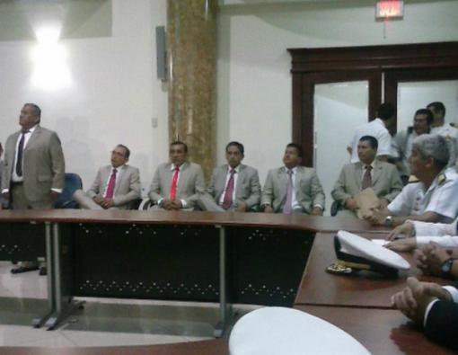En Guayaquil se realizó un histórico acto de desagravio en reconocimiento a los marinos que fueron expulsados por denunciar la muerte y tortura de cuatro personas. Foto: Fiscalía General de Ecuador.