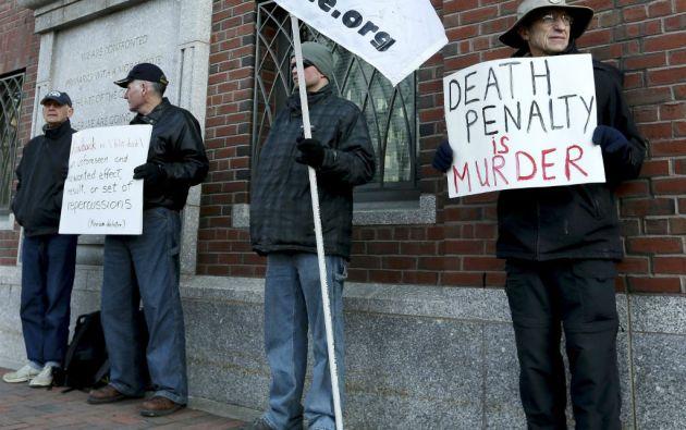 Mientras unos piden la pena de muerte para Dhzokhar Tsarnaev, los padres de una de las víctimas solicitaron cadena perpetua. Foto: REUTERS