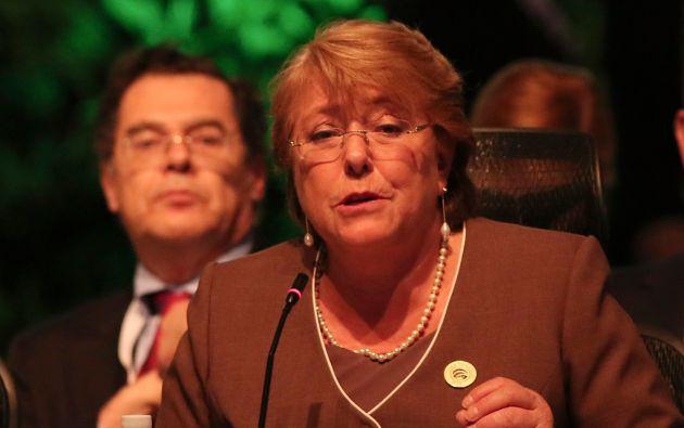 Bachelet anunció que en septiembre se iniciará una serie de diálogos y consultas que deberán desembocar en la Nueva Carta Fundamental. Foto: REUTERS