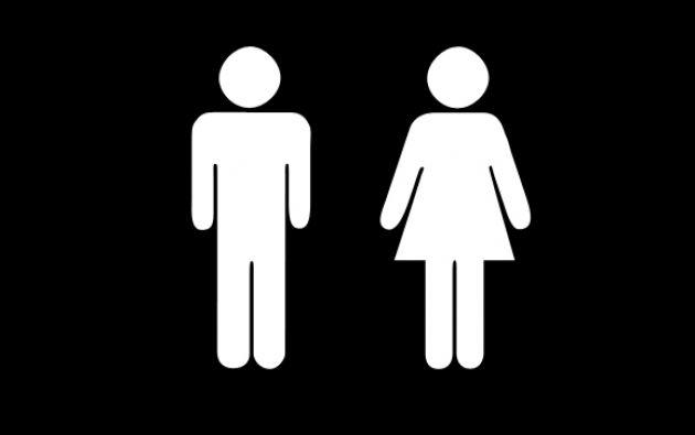 La iniciativa busca romper estereotipos, reinventando la forma en la que se ve normalmente la señalización mundial utilizada para los baños de mujeres.