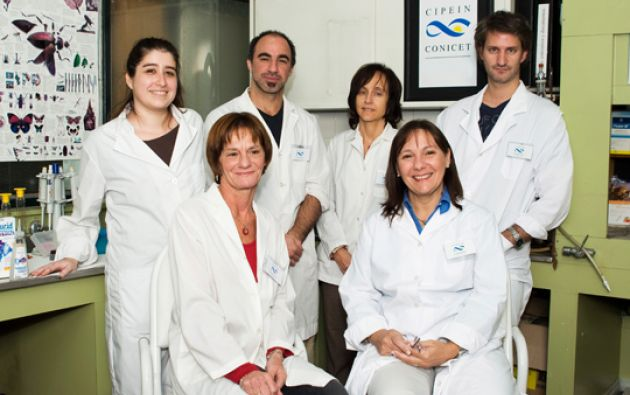 El equipo del Centro de Investigaciones en Plagas e Insecticidas. Foto: Conicet.gov.ar