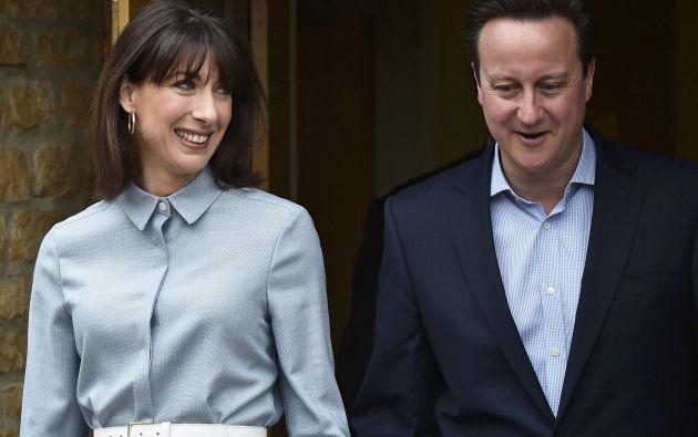 Con su esposa Samantha. Foto: REUTERS