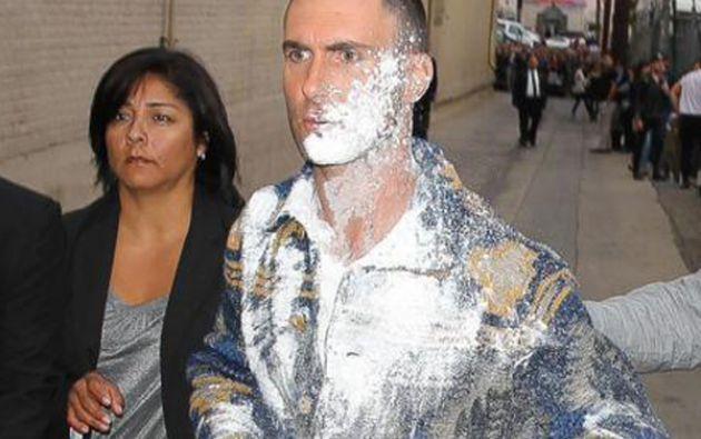 Adam Levine no resultó herido en el incidente.
