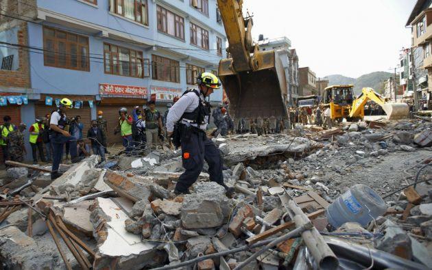 En medio de la tragedia, las autoridades informaron del rescate con vida de 12 personas. Foto: REUTERS