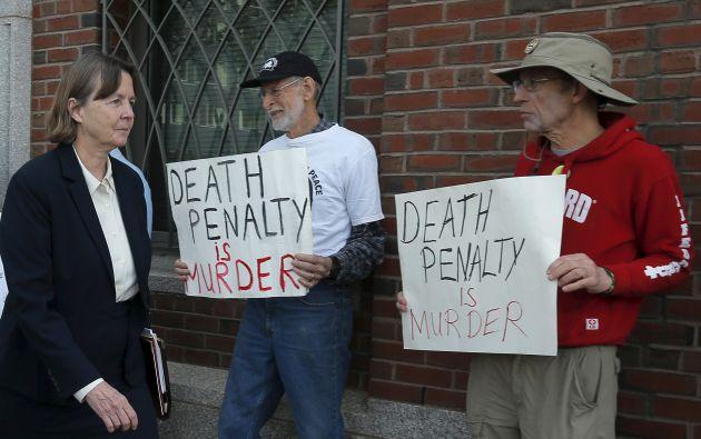 La abogada defensora de Tsarnaev en su llegada a la corte. Foto: REUTERS.