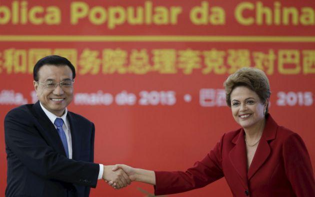 El primer ministro chino Li Keqiang junto a la presidenta de Brasil, Dilma Rousseff, en un encuentro en Brasilia. Foto: REUTERS