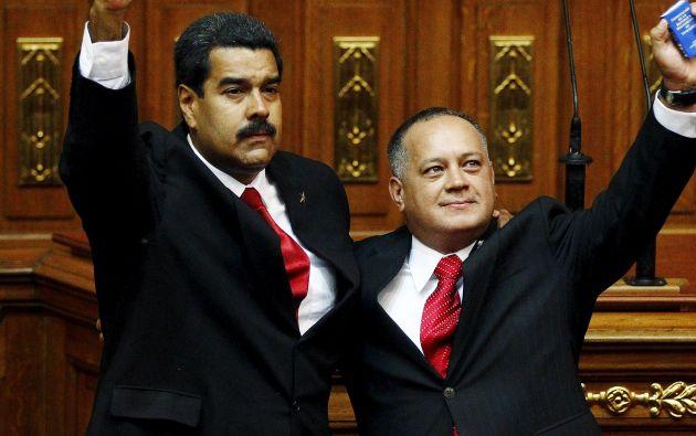 Maduro y Cabello posan en 2013, luego de la posesión de Cabellos en la Asamblea. Foto: Archivo / REUTERS.