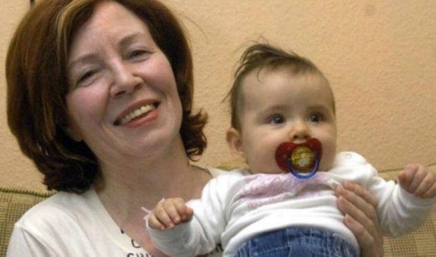 Raunigk ya había sido noticia en 2005 tras a dar a luz a los 55 años.