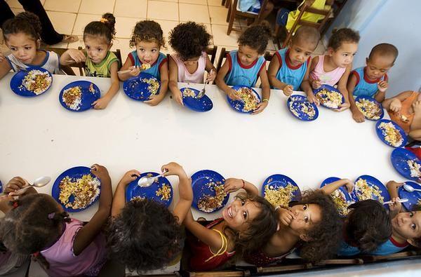 Actualmente el Sur de Asia concentra el mayor número de personas desnutridas, 281 millones, mientras que en África subsahariana el 23,2 % de la población pasa hambre. Foto: Facebook / FAO.