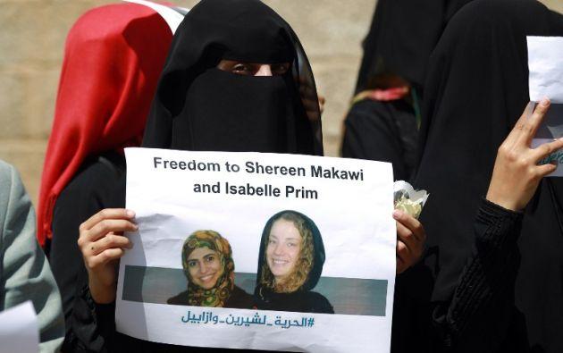 Mujer yemení pide libertad para Prime y Makawi.  Foto: AFP