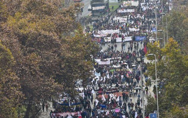 Marcha de docentes en Chile. Foto: AFP