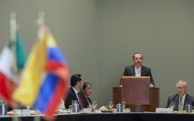 Ricardo Patiño, sesión en México. Foto: Cancillería del Ecuador