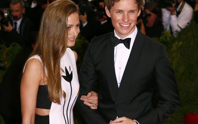 Con su esposa Hannah Bagshawe. Foto: REUTERS