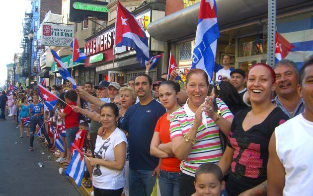 Grupo de migrantes cubanos en Estados Unidos. Foto: Wikimedia.