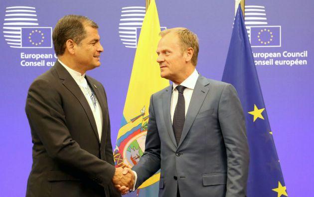 El presidente Correa junto al titular del Consejo Europeo, Donald Tusk. Foto: Presidencia de Ecuador
