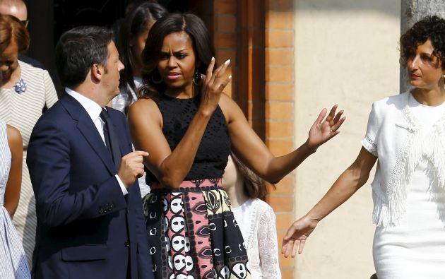 Michelle Obama conversa con el primer ministro italiano Matteo Renzi. Foto: REUTERS.