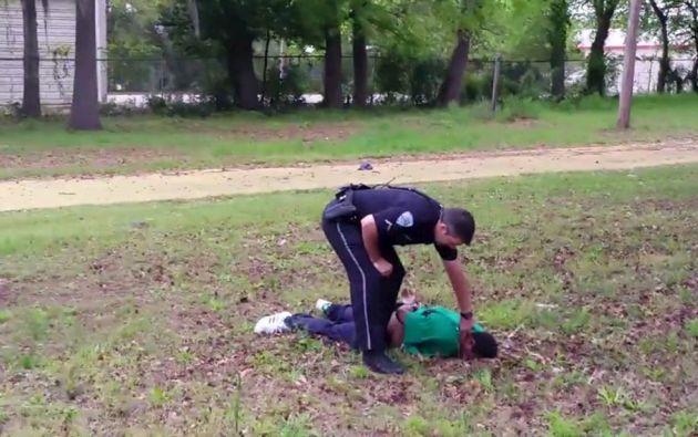 En abril, un policía blanco fue detenido y acusado de asesinato en North Charleston (Carolina del Sur). Foto: REUTERS.