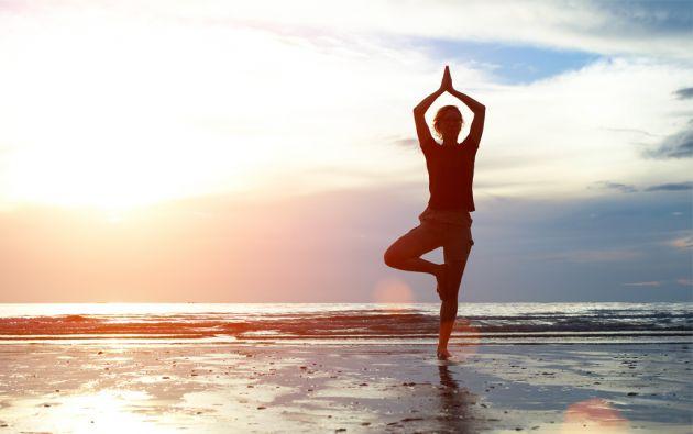 Millones de personas en el mundo han adoptado al Yoga en su rutina diaria.