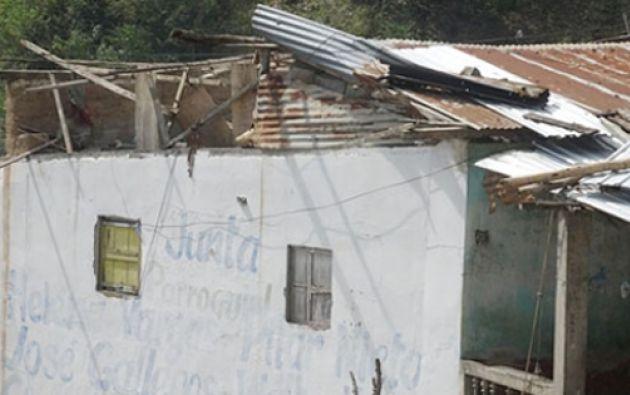 Las ráfagas de viento también derribaron árboles y afectaron a los cultivos de la zona.