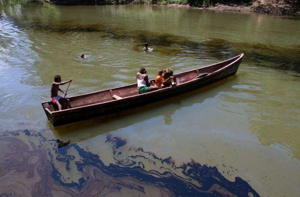 Derrame de crudo en Tumaco. Foto: Internet