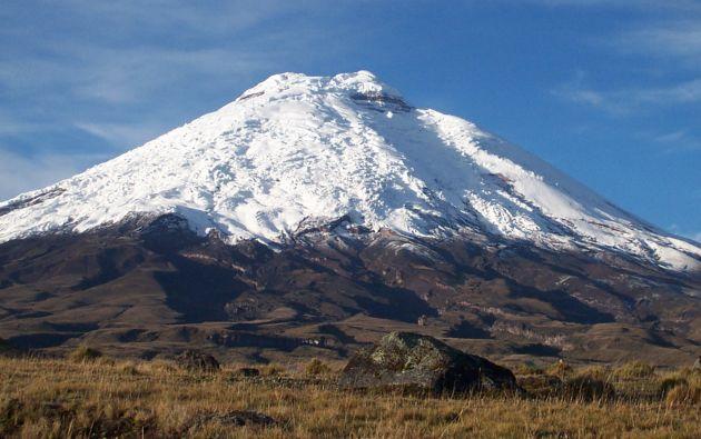 Según Correa, la nieve del volcán Cotopaxi podría desaparecer en 100 años.