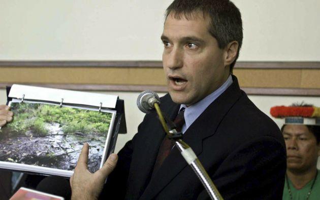 Steven Donziger (53 años) tenía 31 años cuando presentó la demanda contra Texaco, hoy Chevron por la contaminación en la Amazonía. Es abogado de la Escuela de Leyes de Harvard. Ha ejercido como defensor público en Washington D.C., periodista en Centroamérica y fundador de un centro de ayuda legal refugiados cubanos.