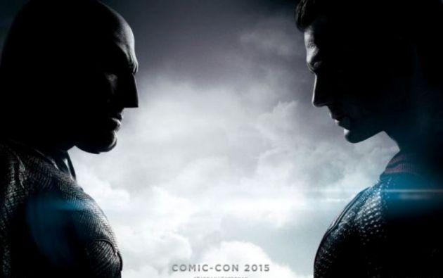 """Nuevo póster de """"Batman v Superman"""" presentado en la Comic-Con."""