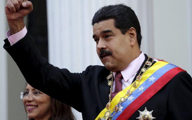 """El presidente venezolano indicó que la """"bandera Rebelde, bandera Invicta"""" de la isla llegó hoy """"luminosa"""" a la embajada cubana en Washington. Foto: Archivo / REUTERS."""