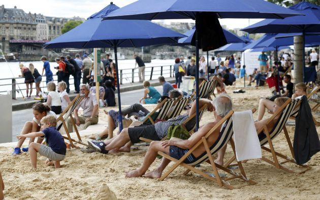 """""""Paris plage"""" es la iniciativa impulsada por el Ayuntamiento cuya 14ª edición inauguró la alcaldesa Anne Hidalgo. Fotos: REUTERS."""