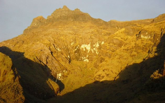Cerro Hermoso, cuya cima se encuentra a 4.571 metros sobre el nivel del mar.