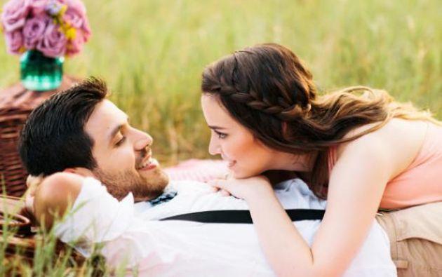 La investigación de la psicóloga Andrea Meltzer analizó a unas 450 parejas recién casadas.