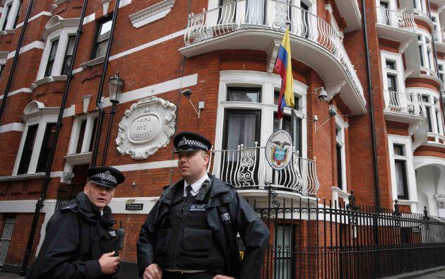 Assange dice que no ha podido respirar aire fresco ni ver la luz del Sol durante estos tres años. Foto: REUTERS